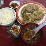 中華料理 若松 - 肉野菜定食 ¥750-