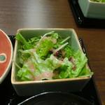 魅惑の酒屋 mikami - サラダ