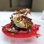 リストランテ ドゥエ フィオーリ - ダークチェリーとバニラのジェラート チョコレートのミネラーレ