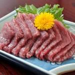 榑木野 - 料理写真:馬刺し1,240円