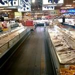 はこだて海鮮市場  - 広々とした店内