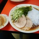 53266265 - 【2016.7.8(金)】冷し中華(並盛)700円とサービスの餃子