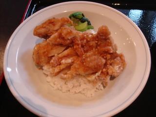中国料理 ながさき家 - カリッとあがったトリニク・・・トリが少ない