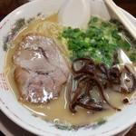 萬福本舗 - とんこつラーメン680円