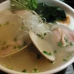 麺屋海神 - 今日は立派な蛤が二つ。