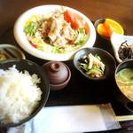 さ蔵 - 料理写真:本日の肉定食800円!