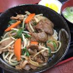 53276377 - ジンギスカン丼  850円