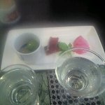 酒蔵ささや - アテ200円也「赤かぶの甘酢、鮭とば、オリーブ」なんぼでも日本酒飲める~