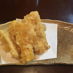 弥太郎 - とうもろこしの天ぷら 450円 ちゃんと生から揚げてるので甘みが違います。