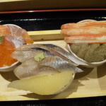 53282996 - ミニ丼3種