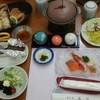 ホテル滝川 - 料理写真:夕食には毛ガニとタコしゃぶが出ました。
