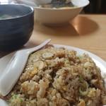 紅隆園 - 料理写真:2016.6ガーリックチャーハン500円