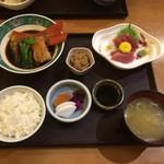 53294303 - お刺身と煮魚ご飯、1,480円