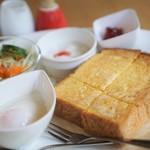 パンカフェ みわ - 料理写真:₊100円のモーニング
