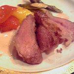サフォーク大地 - ラムもも肉のステーキ