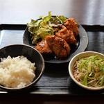 酒・蕎麦 田治 - 特製メンチカツと若鶏から揚げ定食(ランチ)