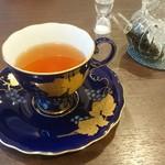 ティーハウス茶韻館 - 武夷岩茶日替わり(肉桂)