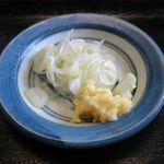 蕎麦喰い処 利めい庵 - 薬味のアップ