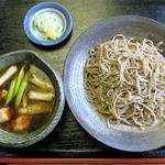 蕎麦喰い処 利めい庵 - 地鶏せいろのアップ