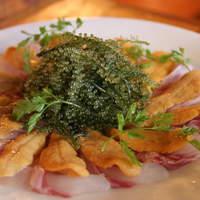 榮料理店 - 料理写真:古宇利島産生うにとミーバイ(ハタ)のカルパッチョ