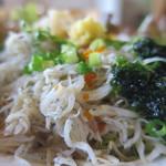 レストラン四季菜 - しらすのサラダアップ