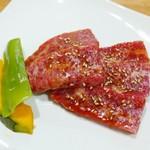 炭火焼肉 王 - 上カルビ(1600円)