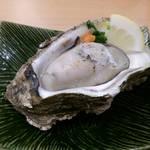 マルトイチ魚安商店 - 焼牡蠣