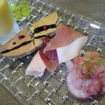 イタリアンレストラン Zucca - Cランチ:季節の前菜盛り合わせ レバーのかわりにフォアグラのスモーク