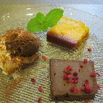 イタリアンレストラン Zucca - Bランチ:デザート3種盛り合わせ(チョコのテリーヌ、かぼちゃのプリン、ティラミス)