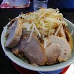 小十郎 - 味噌ラーメン:大盛り+豚マシ