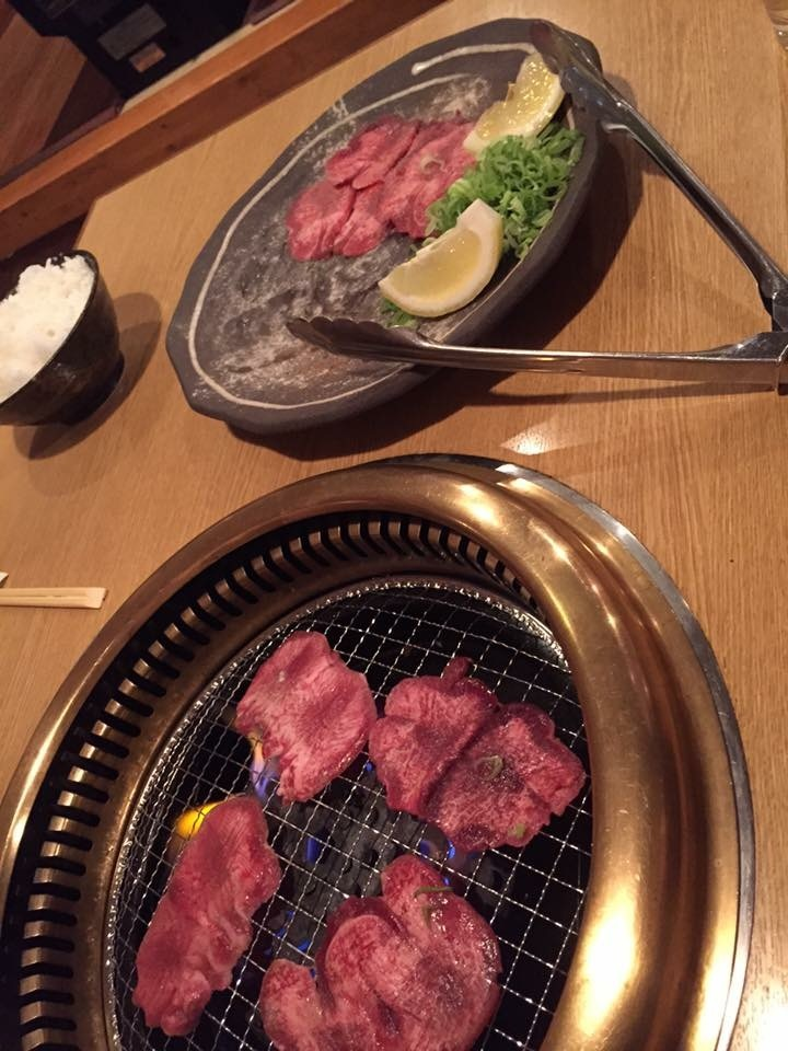 京焼肉 輝 長岡本店
