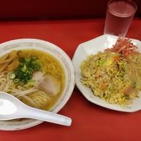 泰県-ラーメン+焼き飯650円