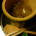菊乃井 - デザートの葛切りと黒蜜シャーベット!竹筒入り