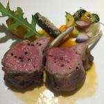 ル モマン - メインの肉は仔羊のロースト