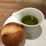 ル モマン - 自家製パンとオリーブオイル