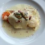 53337747 - 新鮮な魚介を使ったクリームソースのラビオリが美味し
