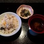 囲炉里庵 花水木 - 食事:鮎ご飯 汁 漬物