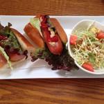 カフェ ハナビ - ホットドッグラン
