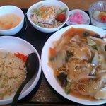 中国料理味神館 - 焼きそばランチ@880