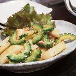 武蔵小山 しゃち - ゴーヤと長芋の塩辛炒め