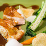レストラン ヒロミチ - メインの肉は天草大王鶏のロースト。歯ごたえも味も良かった~
