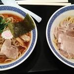 しゃりん イオン北戸田店 - 醤油らーめん、豚玉油そば