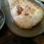インド料理 シャティ - ナン。ぼけてます。(1回目訪問時撮影)
