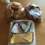 たなごころ - 料理写真:ラスク、黒ラスク、チョコケーキ、チーズケーキ