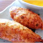 てけてけ - 奥三河鶏をつかったこだわりの「手造りつくね」。トッピングも豊富で飽きない美味しさ。