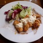 トーティラ フラット - メインは、鶏肉のエスカベーチェ 南蛮仕上げ