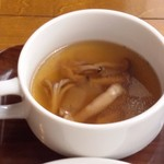 トーティラ フラット - セットのスープはミネストローネ