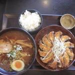 53361047 - 浜松餃子とらーめんセット