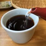 林檎舎 - まだ茹でが少ないので、サラッとしたそば湯です