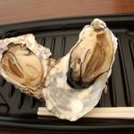 かき小屋フィーバー - 牡蠣のガンガン焼き(500円)
